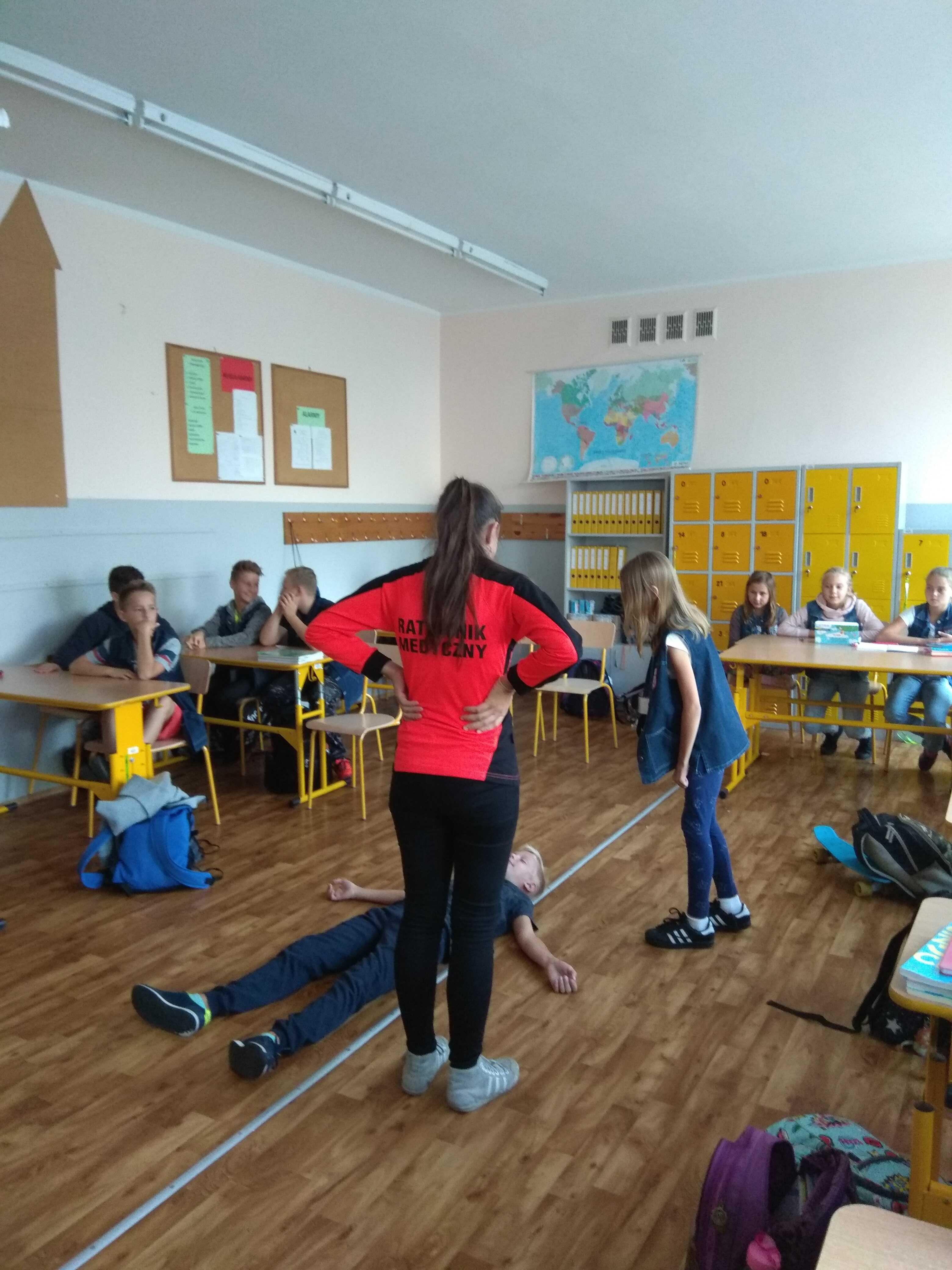 a3cfe91853 W ostatnich dniach do naszej szkoły zawitała Siemianowicka Akademia Młodych  Ratowników zainicjowana przez Prezydenta Miasta Rafała Piecha.